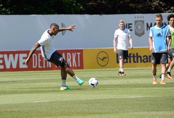 博阿滕在德国队训练中