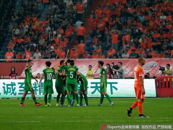 国安客场2-0击败鲁能
