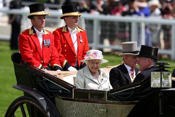 英女王将乘坐马车入场