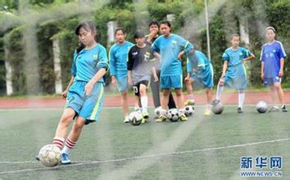 校园足球(材料图)