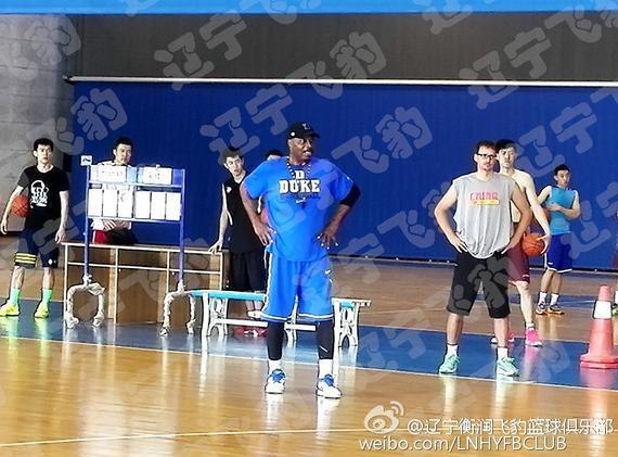辽宁男篮锻炼场上的新脸孔