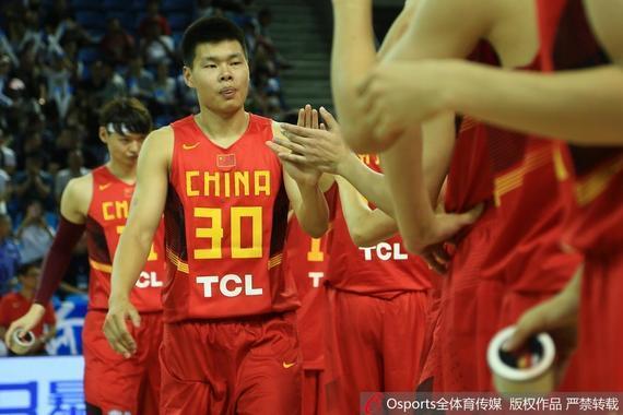 赵大鹏昨晚得到了国家队首秀的机会