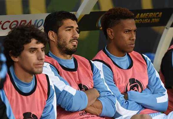 乌拉圭爆冷连败出局