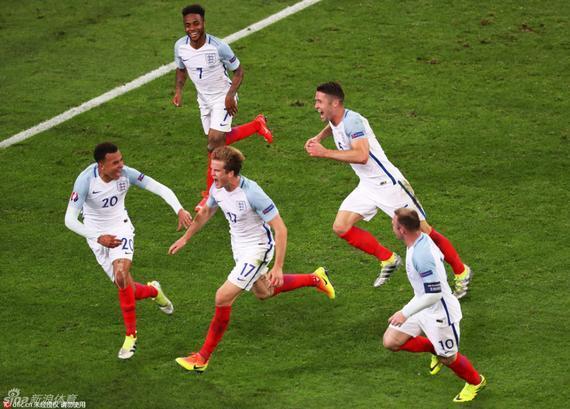 戴尔打进了英格兰的首个进球