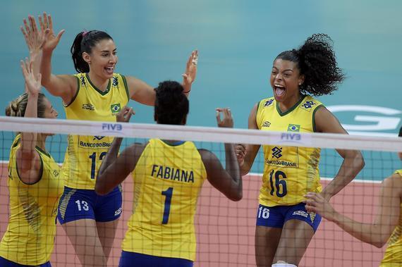 巴西全胜夺冠
