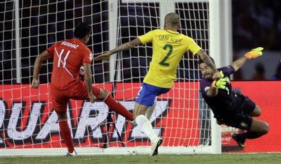 巴西被手球绝杀
