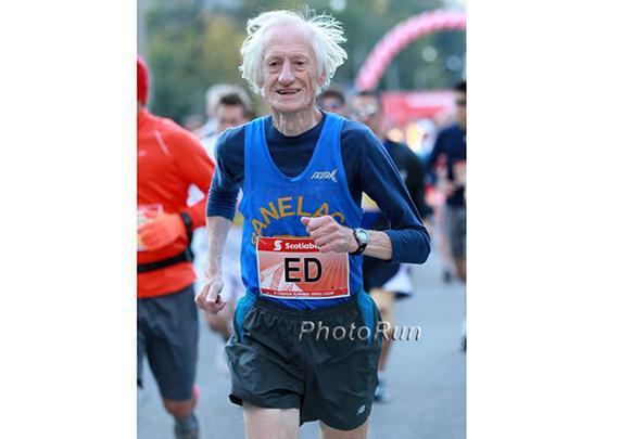 85岁跑者艾德-惠特洛克