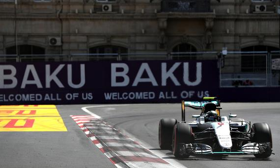 罗斯博格夺巴库赛道首个杆位