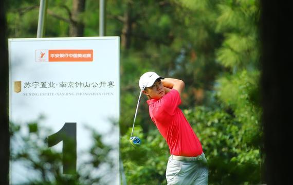 00后小将叶沃城参加中国美巡南京公开赛