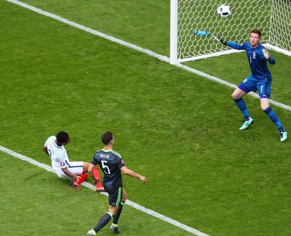 斯特林在本届欧洲杯赛上的表现糟糕