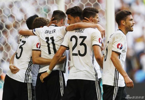 德国队行将迎战意大利队