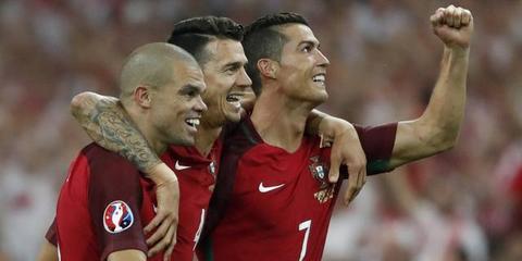 欧洲杯莱万破门葡萄牙点球胜波兰