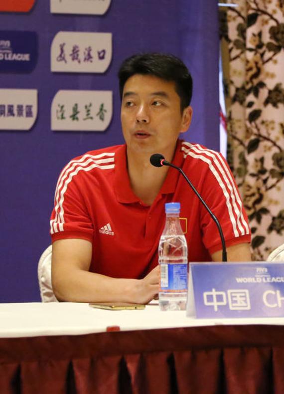 中国男排主教练谢国臣