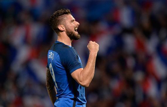 吉鲁在对冰岛队的比赛中证明了自己