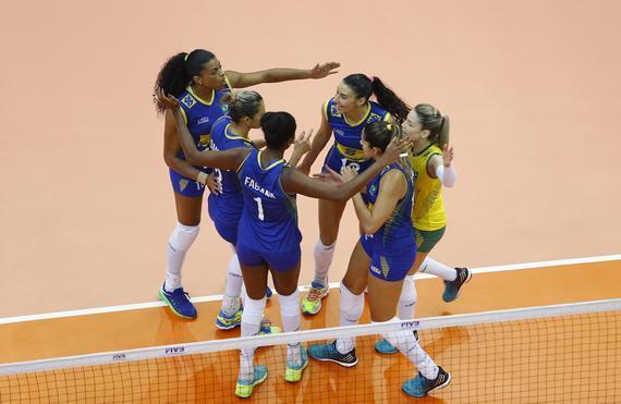 巴西女排轻取泰国
