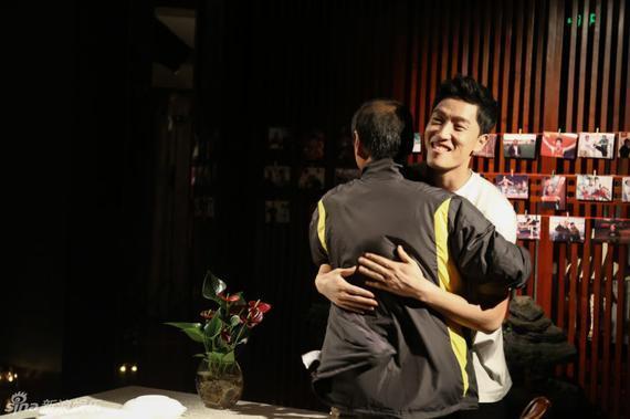 刘翔和孙海平拥抱