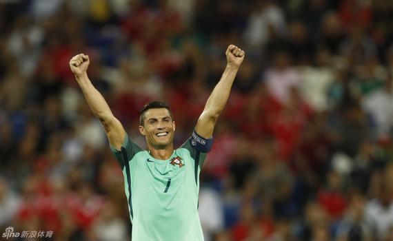 C罗离欧洲杯历史最佳就差个冠军?
