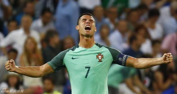 C罗带领葡萄牙队杀进了决赛