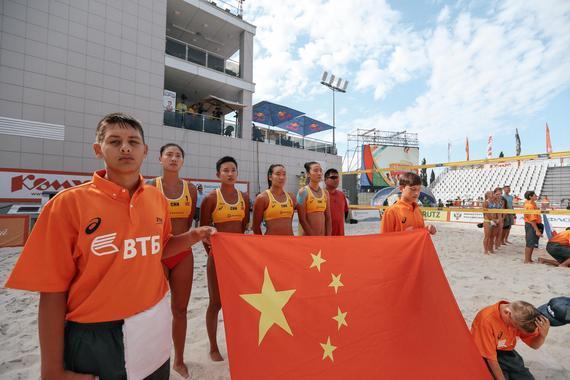中国女子沙排队