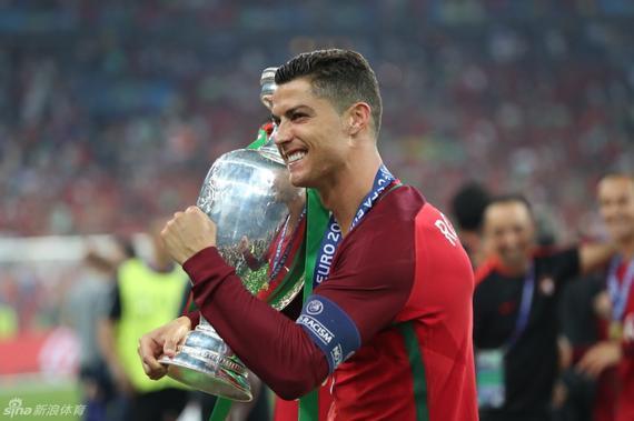 舒梅切尔评欧洲杯冠军和C罗