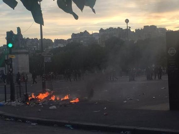 欧洲杯决赛场外球迷骚乱