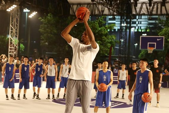 皇冠体育KD中国篮球之旅:用苦练与坚持开启生涯新篇章
