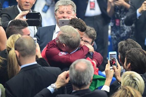 C罗跟弗格森的拥抱