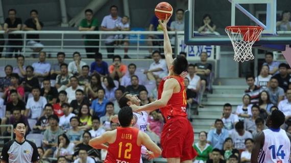 中国男篮热身赛战胜法国二队