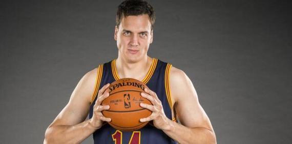 考恩上个赛季才进入NBA
