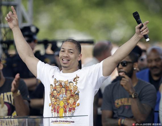 当今NBA薪水最高的主教练之一!