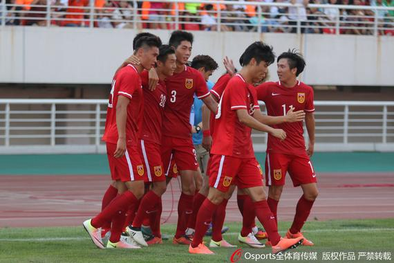 中国国青2-0战胜本菲卡晋级四强