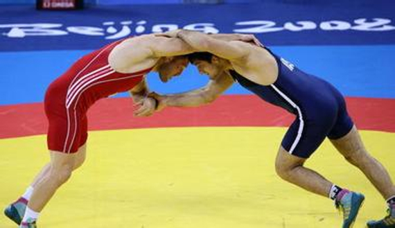 俄罗斯摔跤运动员