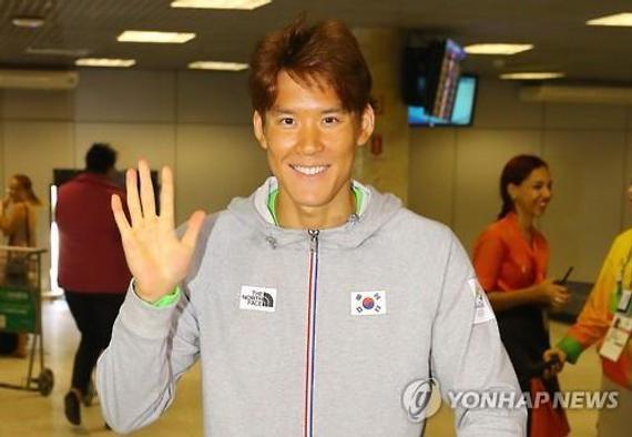当地时间7月31日,韩国游泳名将朴泰桓抵达巴西里约热内卢国际机场。