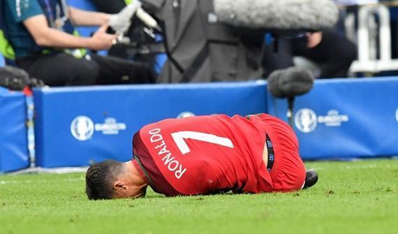C罗在决赛中受伤离场