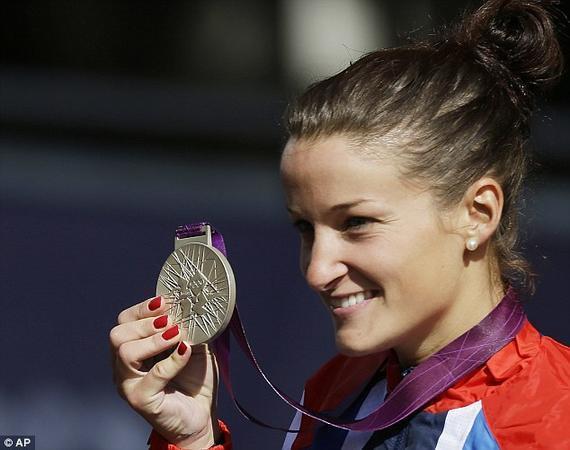 英国著名自行车选手丽兹-阿米斯特德在伦敦奥运会摘银