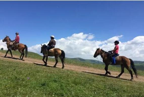 马疯窝:春夏秋冬每周坚持野外骑马活动,我们是一群向往健康美好生活的快乐马疯子