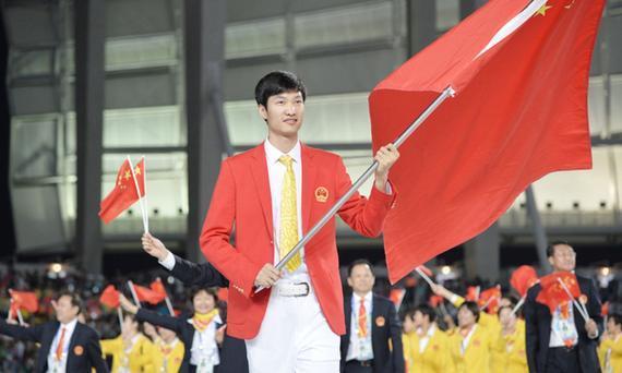 巴西奥运开幕式旗手雷声耀眼