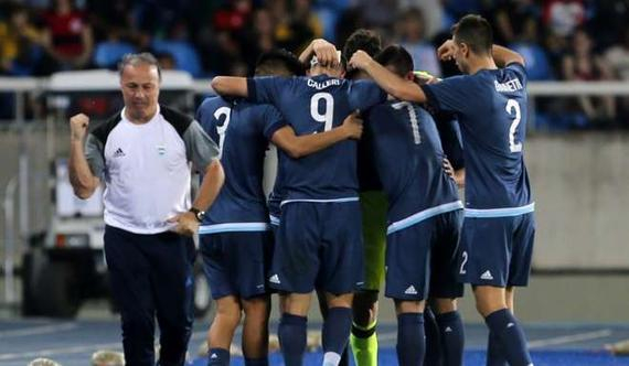 阿根廷奥运男足2-1夺首胜