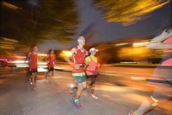 跑步�m好牢�量入�槌� 倡�h:�后一小�r再跑步