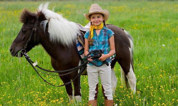 萌娃与小马驹