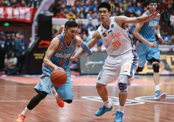 刘炜在休赛期离开了新疆队加盟四川