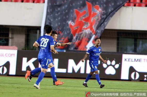 申鑫主场3-2战胜权健
