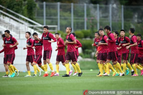 国足训练备战韩国