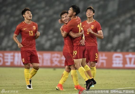 U22国足庆祝进球
