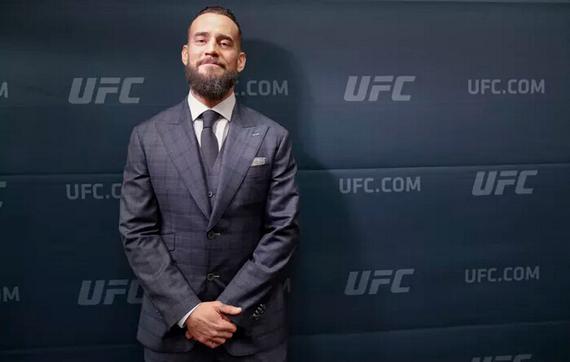 CM-庞克表示自己的UFC首秀将不可思议