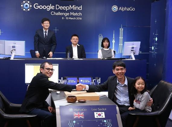 谷歌的 DeepMind 团队在今年 3 月刚刚使用 AlphaGo 击败了围棋世界冠军李世乭,现在他们终于把注意力转向了经典即时战略游戏《星际争霸 2》。