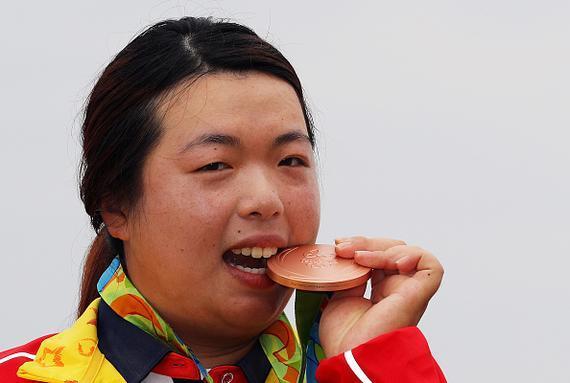 冯珊珊坦言奥运铜牌真的很沉