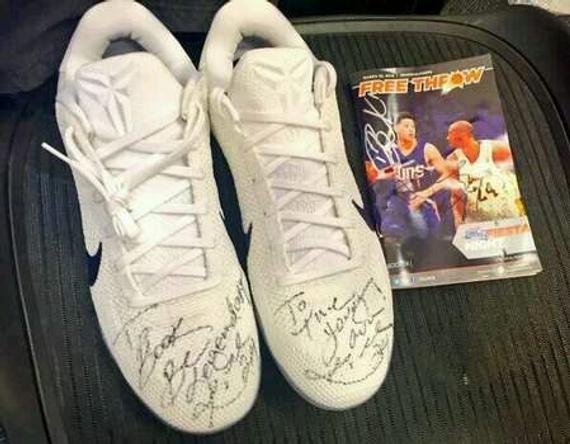 科比送给布克的署名鞋