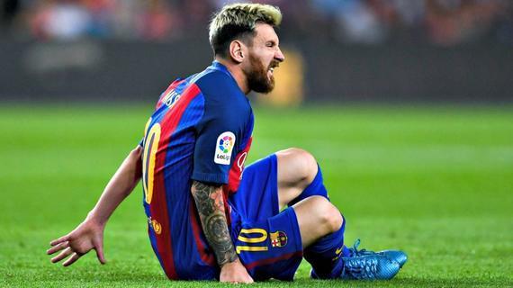 梅西在对阵马竞的竞赛中受伤了局……