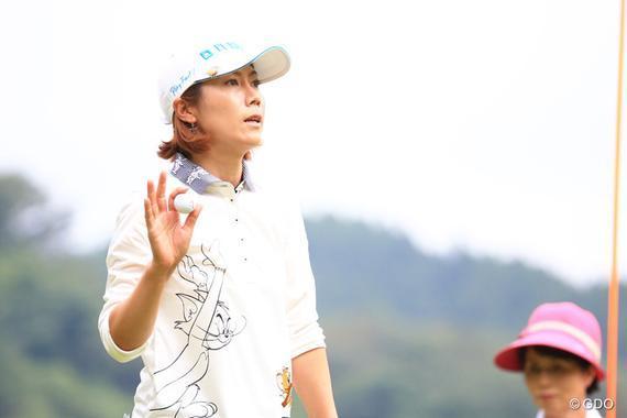 韩国宿将李知姬延伸赛中打败同胞申智爱夺冠